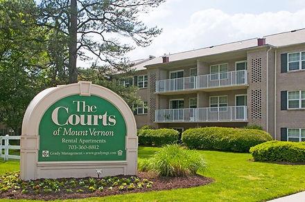 Courts of Mt Vernon 01.jpg