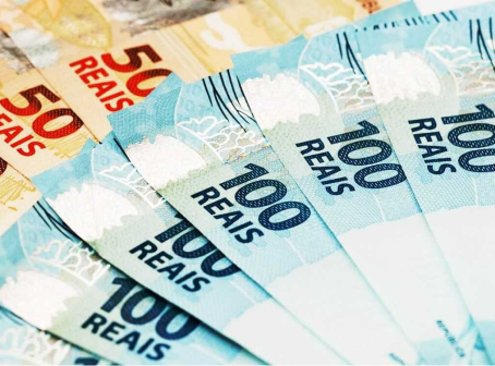 13° salário e férias serão pagos integralmente nos casos de redução de jornada e de salário.
