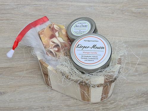 """Geschenk-Set """"Mango-Vanille & Zitronenverbene"""" mit Holzbottich oval"""