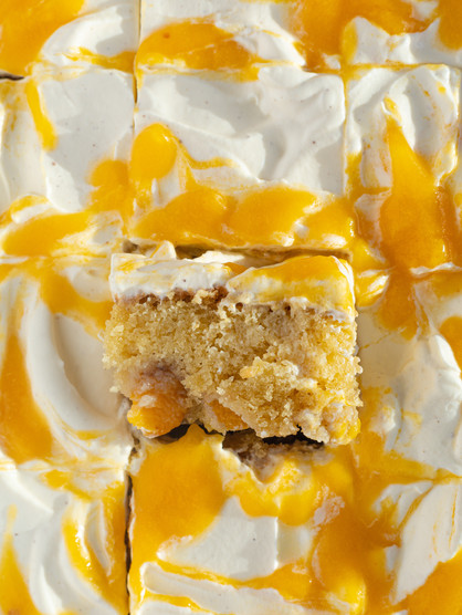 Peach Cake with Yoghurt Cream