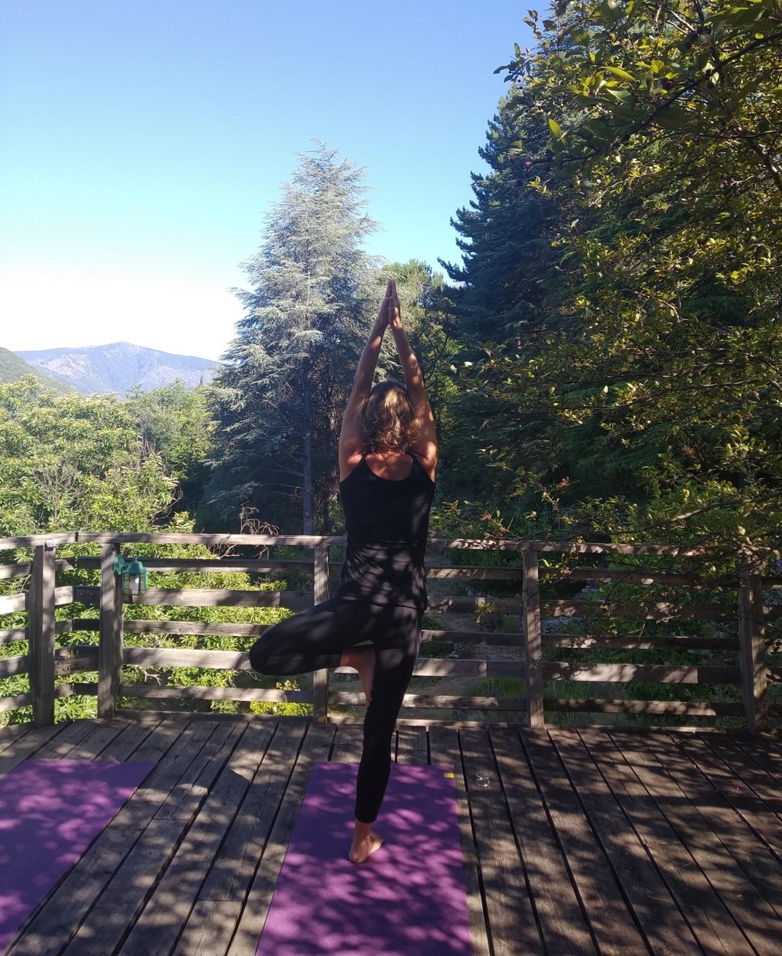 NaturoVida 30 - Yoga avec vue sur le Mont Aigoual à Valleraugue - Cévennes Gard