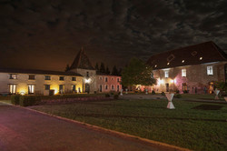 Cour d'honneur by night