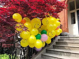 Smiley Outdoor Balloon Garland