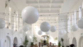 Giantweddingballoons.jpg