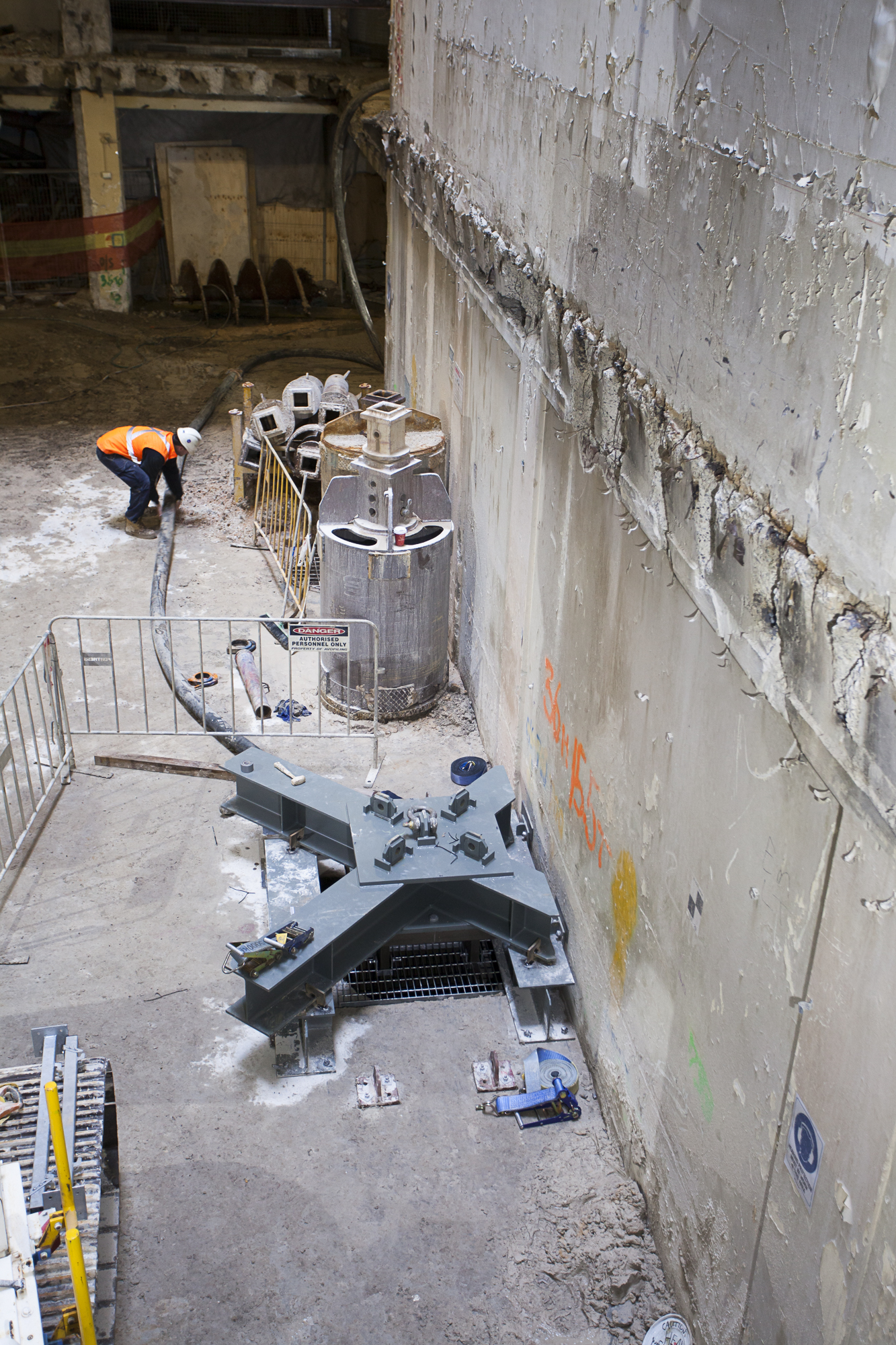 3 Tower Plunge Pile Supported on Cruciform
