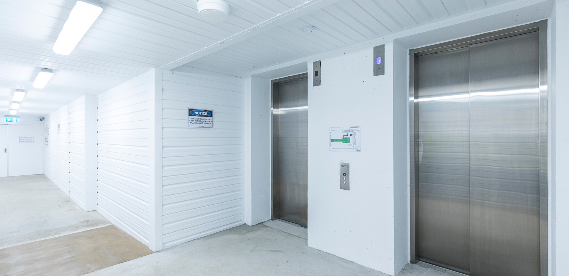 060 dda lifts at concourse (1).jpg