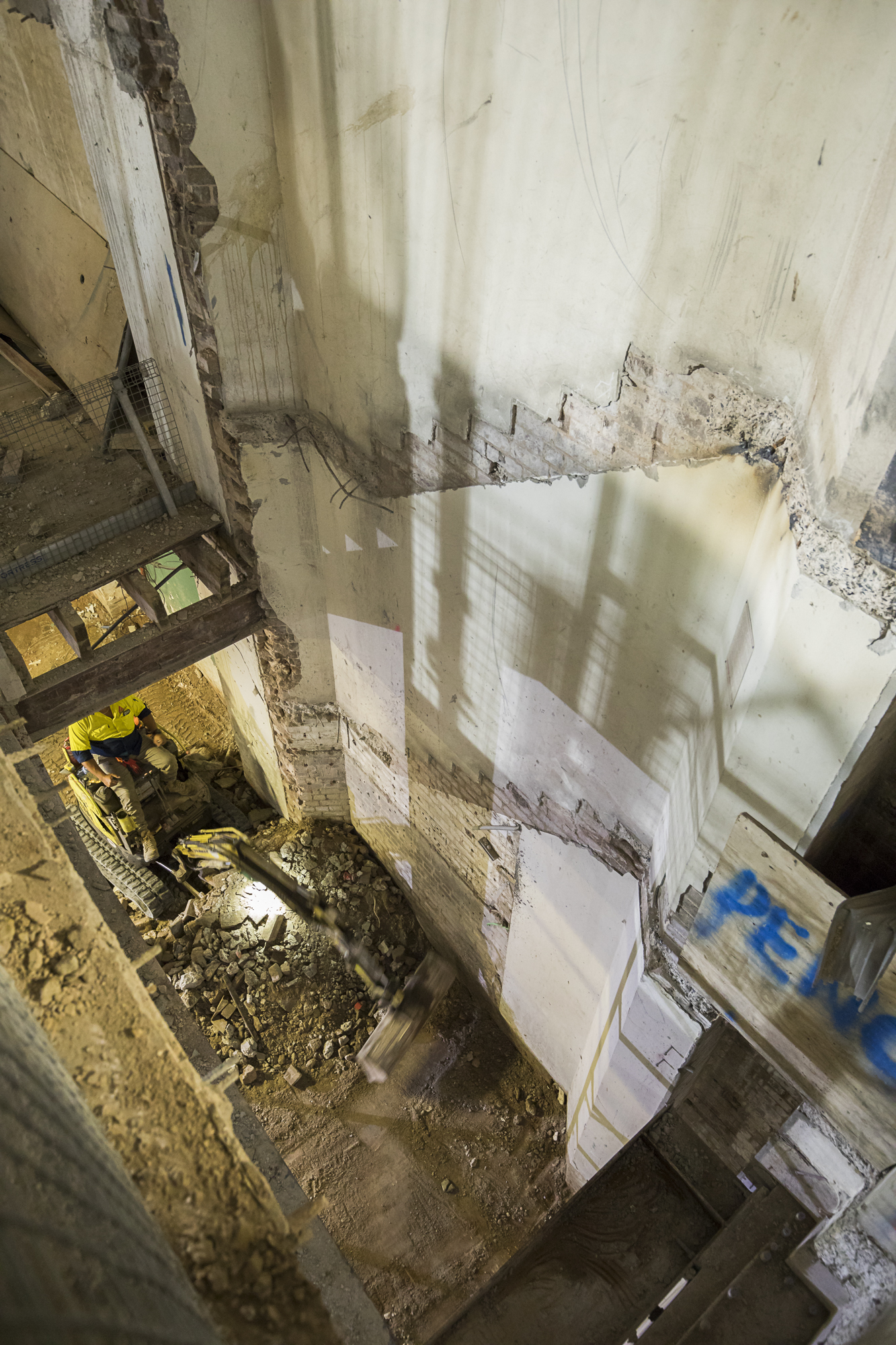 004 285 Stair demolition TO