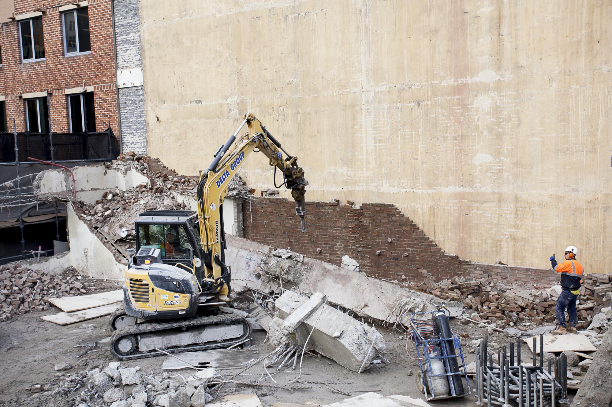 6 Tower Menzies South Level 5 Removal agaist Lisgar House
