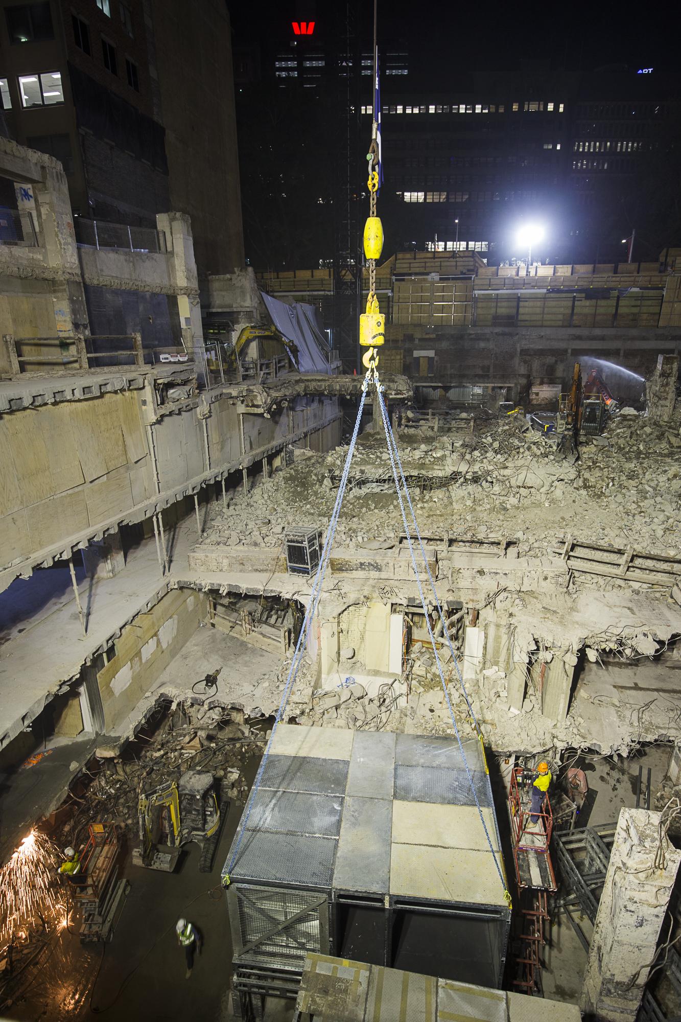 5 Both - b Night shift installation of Areo Bridge portal