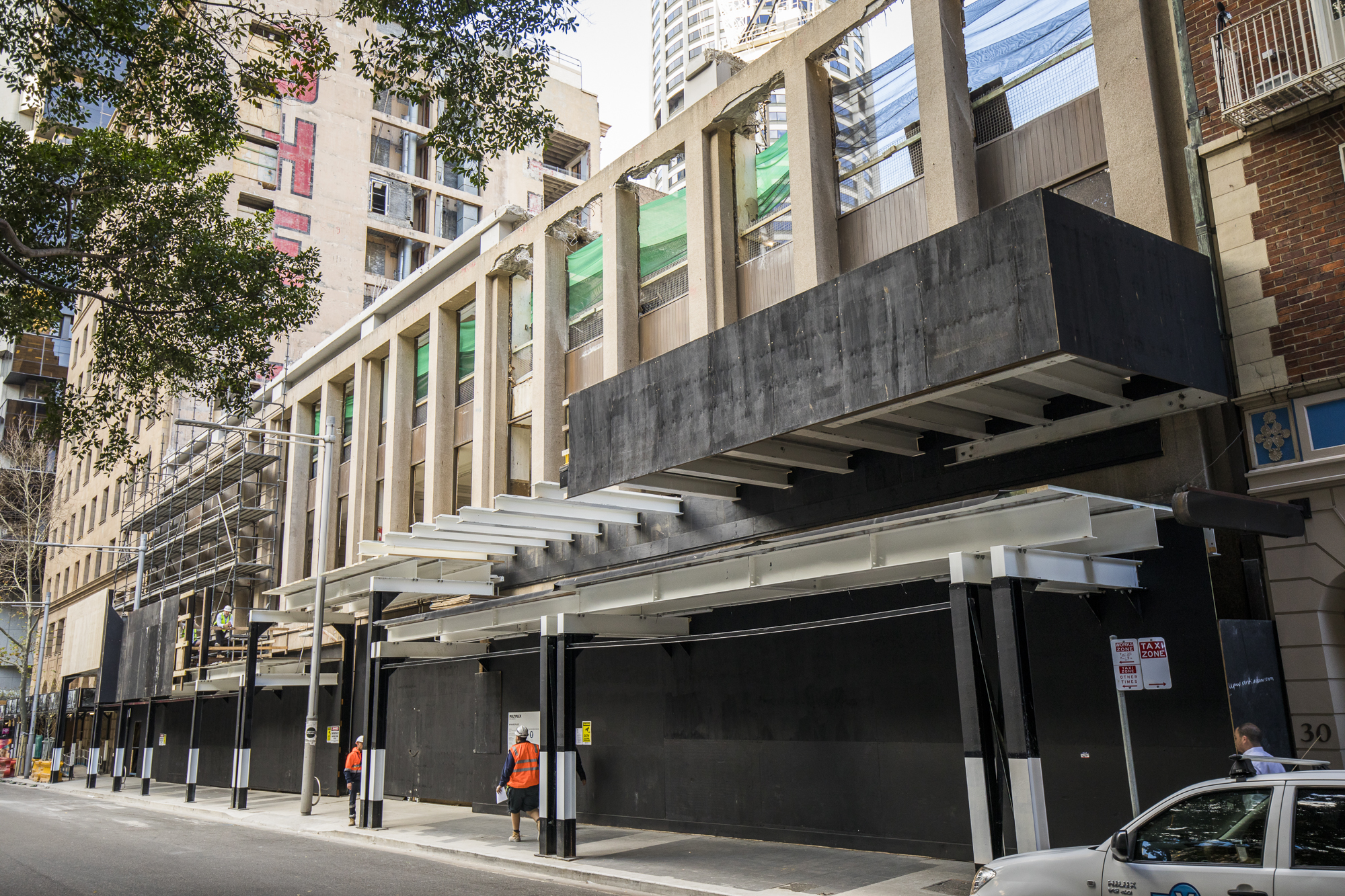 12 Tower - Menzies South Hoarding Changeover