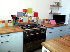 חיפוי מטבח צבעוני, עיצוב פנים - רונה קינן-פיש במטבח בפרדס-חנה