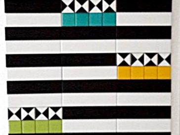 משחק בפסים צורות וצבעוניות שמחה