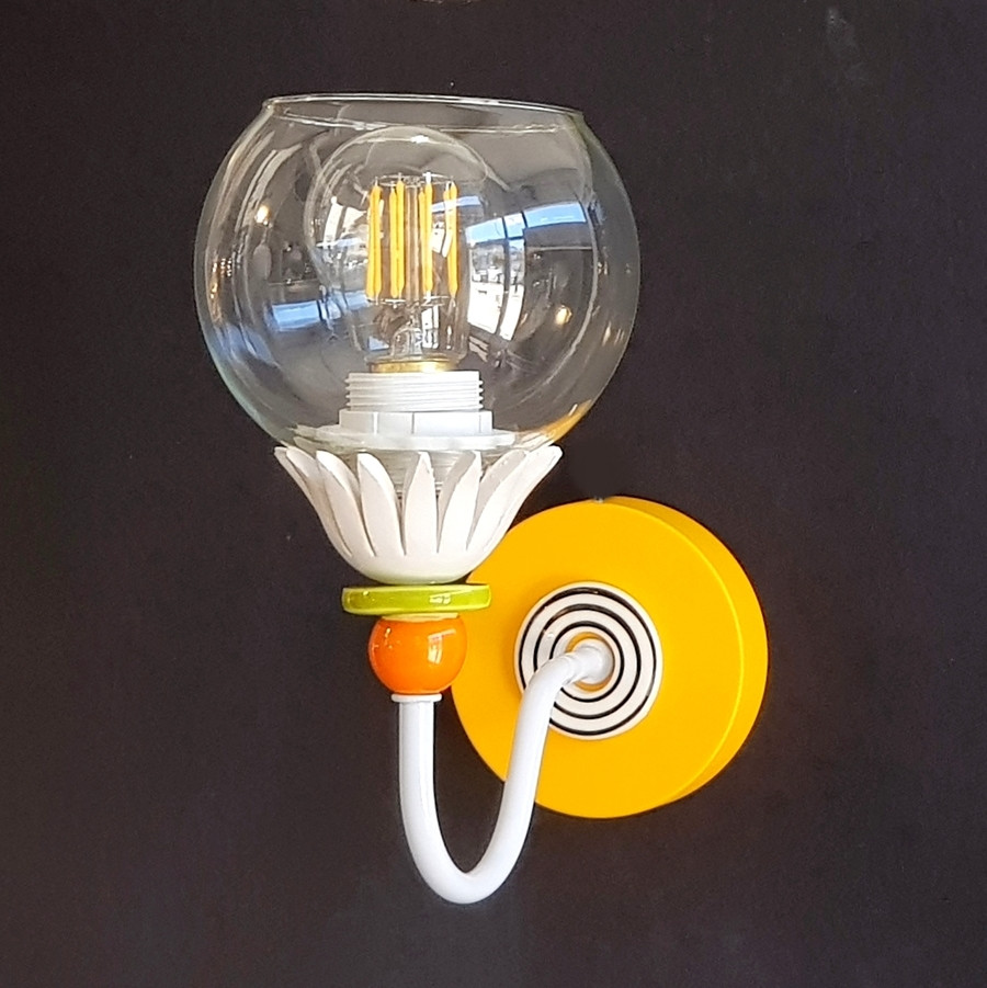 מנורת קיר צבעונית מנורת קריאה