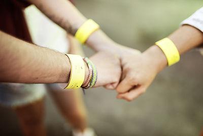 ידיים מחוברות לעבודת צוות