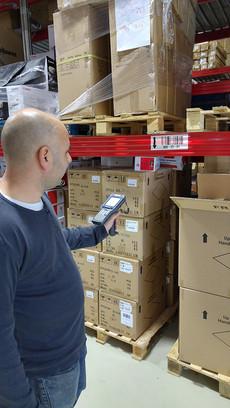 """מרלו""""ג שרון סחר משרדיה - שימוש במסופונים לקליטה וליקוט סחורה"""