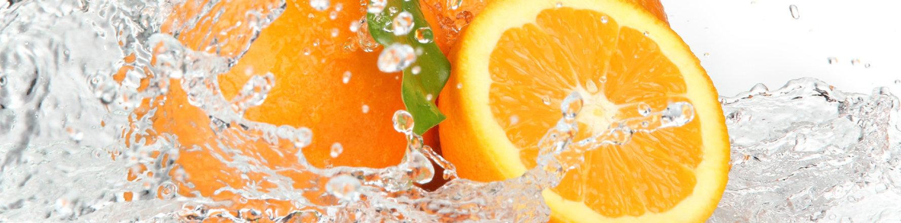 oranges splashing