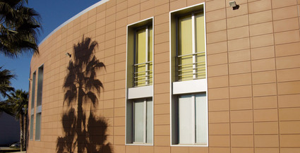 חיפוי חוץ יבש Frontek לחזיתות בניינים