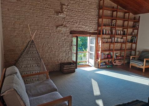 le_clos_du_treuil_salle_jeux_bibliotheque.jpg.jpg