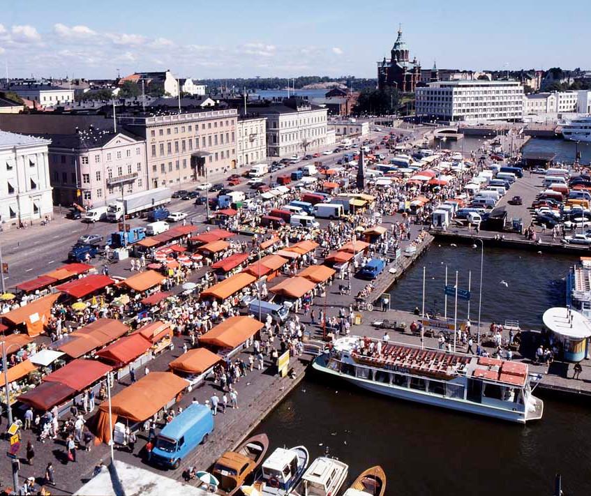 helsinki_market_square_a190111