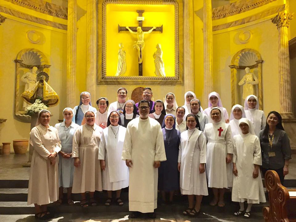 The Vocation Week closing mass was celebrated at the Christ the King Chapel, Ateneo de Naga University, with vocation promoters of the different religious congregations in the country.