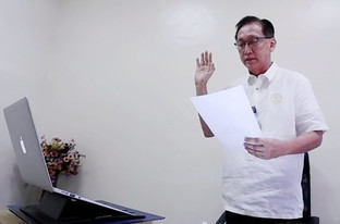 Sales takes oath as chief of BMC before Health Secretary Francisco Duque III