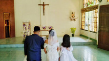 Church mass wedding celebrates Christian community's support for the poor