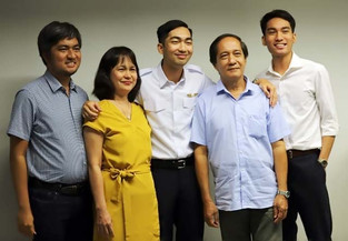 2 Bicolanos become pilots via Cebupac study now pay later