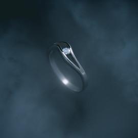 JPG_web_diamond_ring_smoke_2020-1.jpg