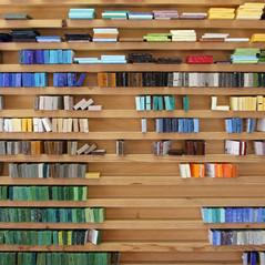 Smaltes de Venise artisanaux dans l'atelier d'un fournisseur italien.  crédit photo : Gaspard Mahieu