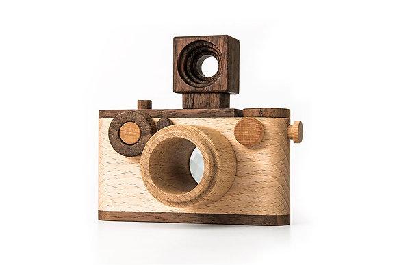 La cámara de juguete de madera original de 35 mm