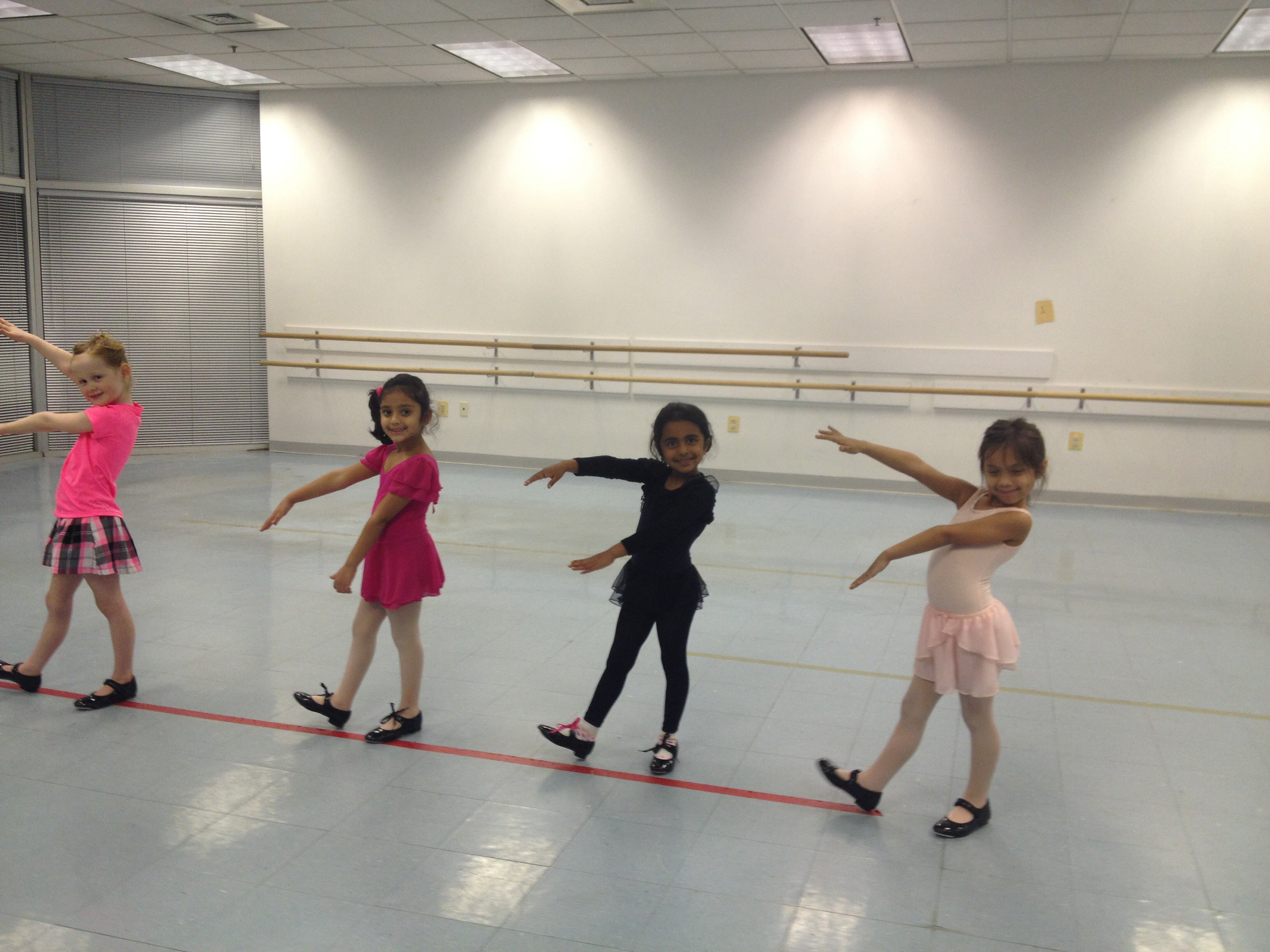 kids enjoying a dance class