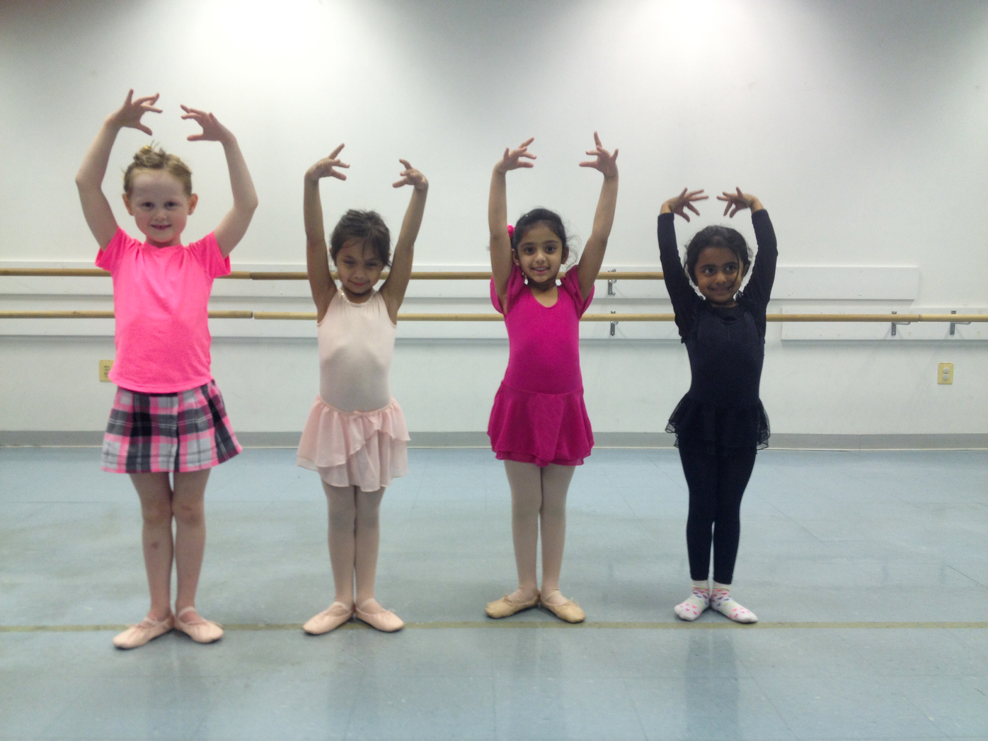 kids learning ballet