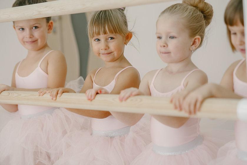 cute-little-ballerinas-pink-ballet-costu