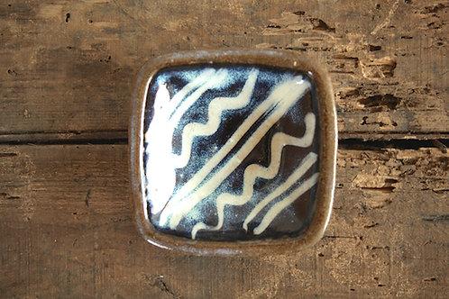 スリップウェア波紋海鼠釉