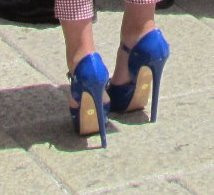style of footwear of many guests at wedding in Lecce, Italy