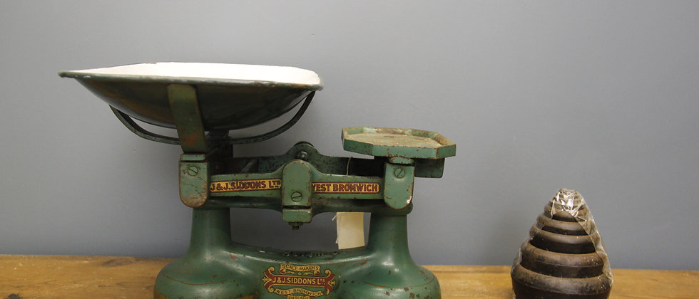 Siddons Ltd. Scales with Complete Set of Weights.