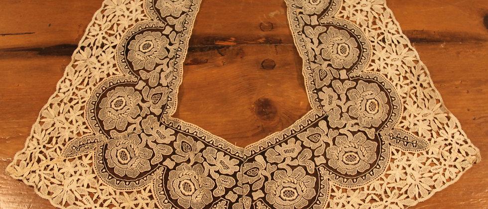 Beautiful Antique Handmade Lace Ladies Collar.