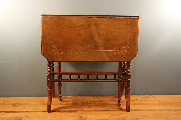 Drop Leaf Table, Beautiful Inlaid Design.