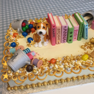 A book lover's birthday cake