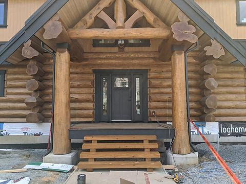 Log Home Construction.jpg