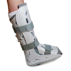 severe-ankle-sprain-9641659