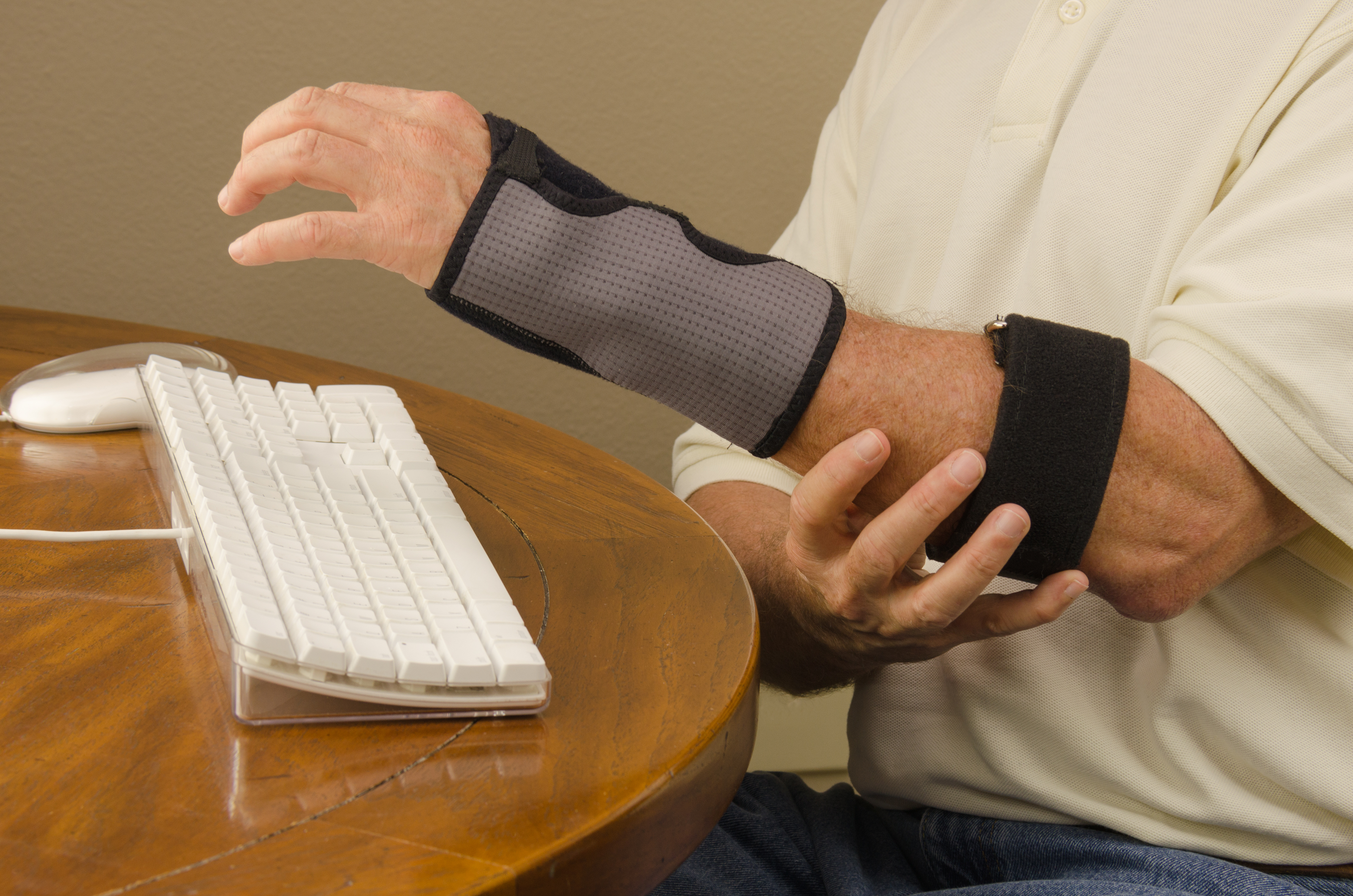 computer-tendinitis-carpal-tunnel-syndrome-repetitive-stress-55576042