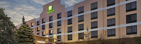 holiday-inn-hotel-and-suites-bolingbrook