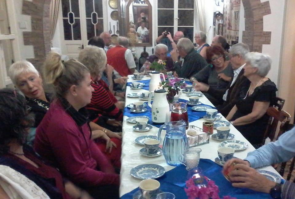 52 gjester kunne Lilly ønske velkommen til sabbatsmåltid.