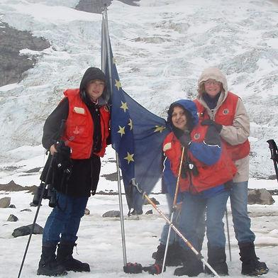 Highest-Glacier-in-Alaska...-it-was-40-degrees-below-zero-not-including-wind-chill-979x102