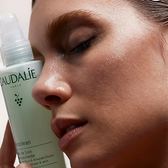 317-makeup-removing-cleansing-oil-model.