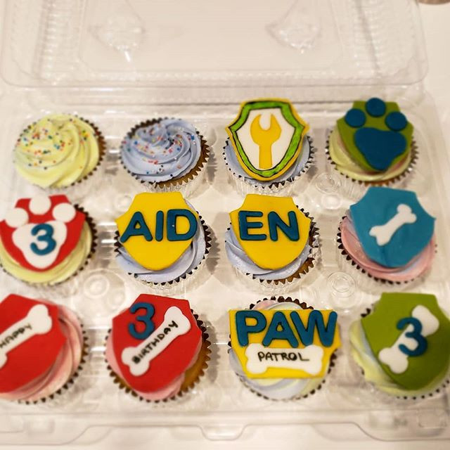 Last minute Paw Patrol cupcakes for a sp