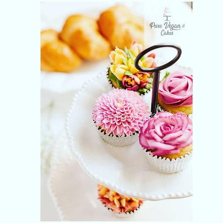 Vegan Vanilla Floral Piped Cupcakes