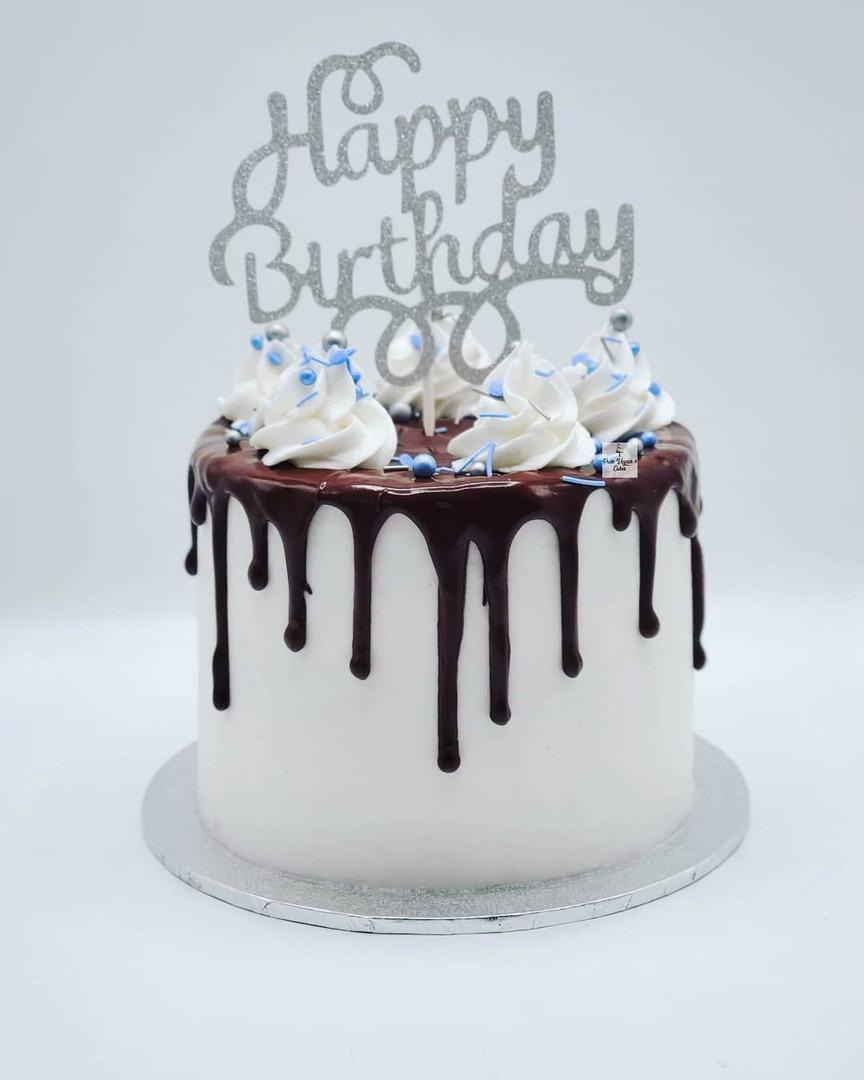 Vegan_vanilla_chocolate_drip_cake.jpg