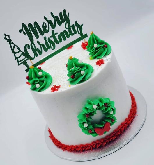 Vegan_Red_Velvet_Christmas_Tree_themed_c